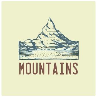 Logotipo vintage gravado com montanhas na mão desenhada, estilo de desenho, velho distintivo retrô olhando para parques nacionais e tema de acampamento, alpino e caminhadas