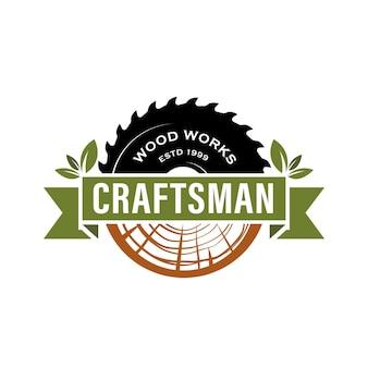 Logotipo vintage retrô de carpintaria de artesão