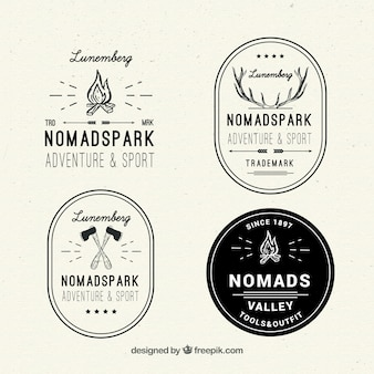 Logotipos aventura esboços
