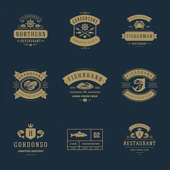 Logotipos ou sinais de frutos do mar definem modelos de emblemas vetoriais