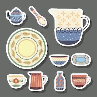 Louça de porcelana com dez pratos