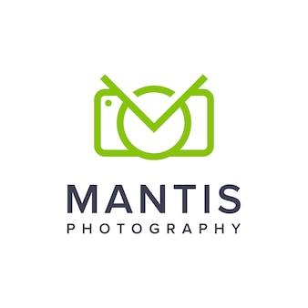 Louva-a-deus e câmera esboçam um logotipo simples e elegante, criativo, geométrico, moderno, design de logotipo