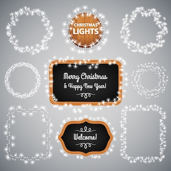Luzes de natal brancas no quadro-negro