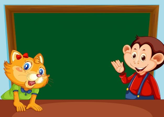 Macaco e gato com quadro-negro
