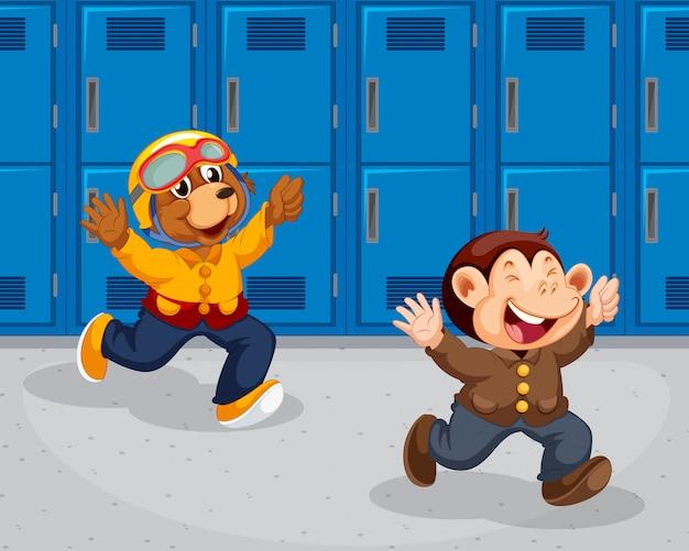 Macaco e urso correndo na escola