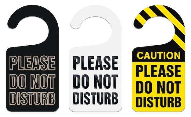 Maçaneta da porta pendurado com por favor não perturbe