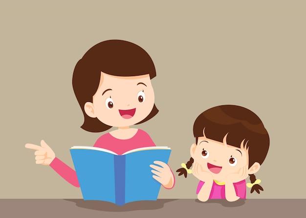 Mãe com filha lendo livro