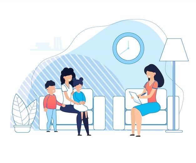 Mãe com filhos em consulta psicólogo