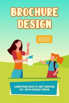 Mãe dando um copo de leite à filha. criança, criança, servindo do jarro, bolha do discurso. ilustração vetorial plana Vetor Premium