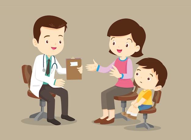 Mãe e filho visitando o médico