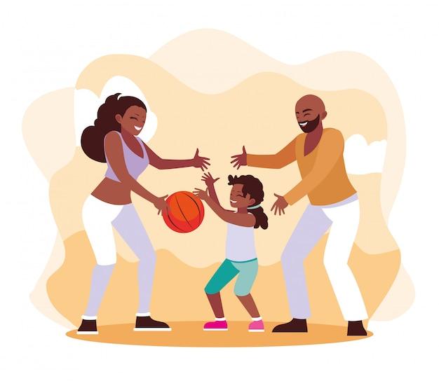 Mãe e pai com a filha brincando