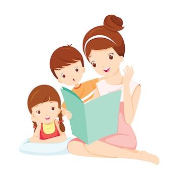 Mãe lendo livro de contos para filha e filho