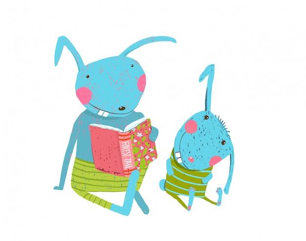 Mãe ou pai coelho com filhote bonito, estudando a lição de casa, lendo o livro.