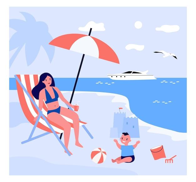 Mãe solteira relaxando na praia com filho Vetor Premium