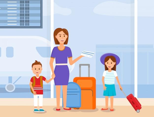 Mãe viajar com filho e filha caracteres.