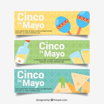 Maio cinco faixas com comida mexicana e maraca