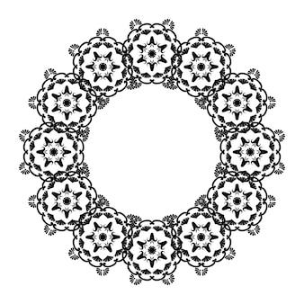 Mandalas circulares com moldura redonda de renda com lugar para texto arabesco preto e branco para decoração