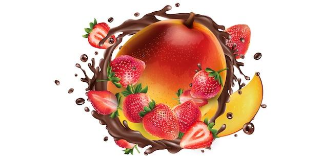 Manga fresca com morangos em um pingo de chocolate.