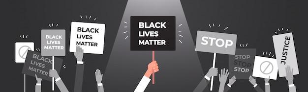Manifestantes mãos segurando vidas negras importam banner campanha de conscientização contra a discriminação racial