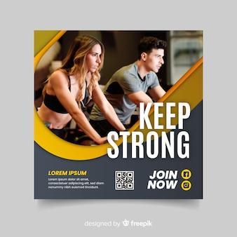 Mantenha um folheto esportivo forte com foto