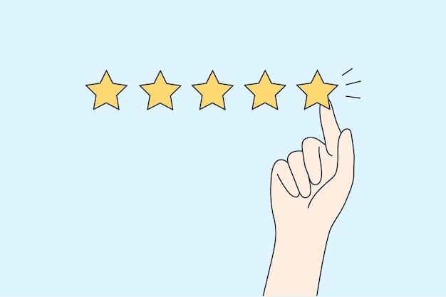 Mão de hyman mostrando classificação excelente de cinco estrelas