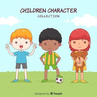 Mão desenhada coleção de personagens de crianças fofos Vetor grátis