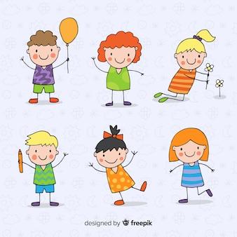 Mão desenhada coleção de personagens de crianças fofos