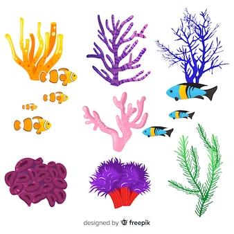Mão desenhada coral com coleção de peixes