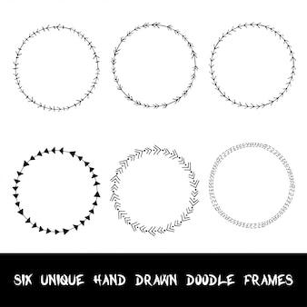 Mão desenhada doodle quadros ornamentais.