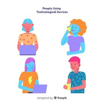 Mão desenhada jovens pessoas coloridas usando o pacote de dispositivo tecnológico