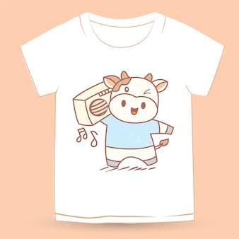 Mão desenhada vaca bonita para camiseta