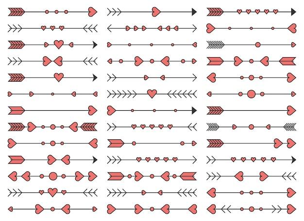 Mão desenhadas flechas com conjunto de elementos de coração