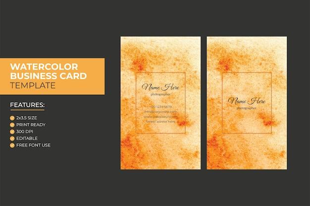 Mão desenhando modelo de design de cartão de visita aquarela vertical abstrato colorido