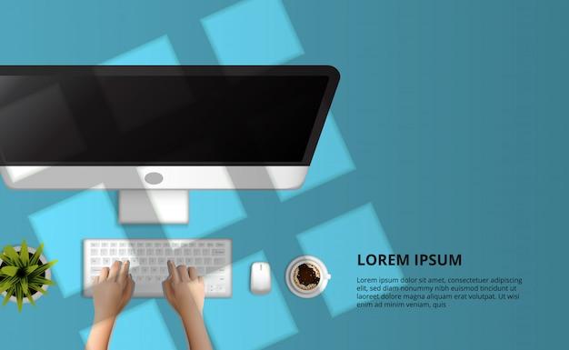 Mão, digitando, ligado, modernos, computador, vista superior, ligado, a, azul, escrivaninha, fundo