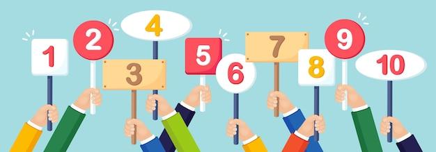Mão humana segure a bandeira, cartaz com o alfabeto numeral. sinais com número. cartão com quantidade de pontuações no tornamento. votação, concurso, conceito de competição. design plano