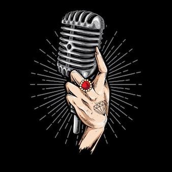 Mão segurando o microfone retrô