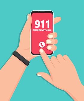Mão segurando o smartphone com o número de emergência 911 na tela em um design plano