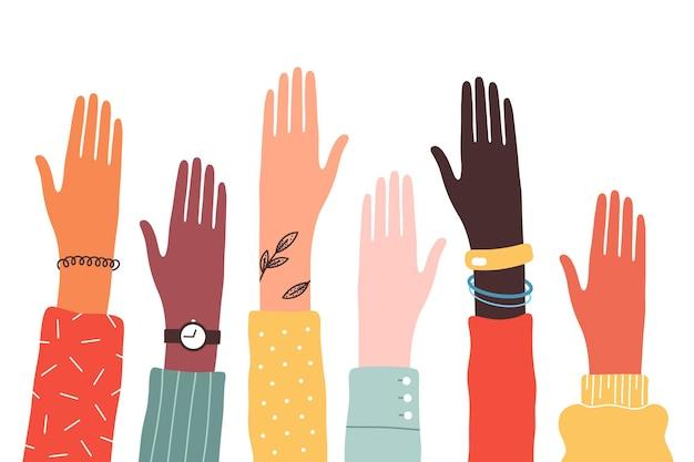 Mãos de diversos grupos de pessoas juntas se levantaram.