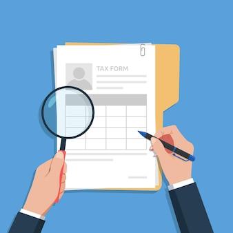 Mãos de homem preenchendo e verificando o conceito de formulário fiscal, ilustração de documentos fiscais