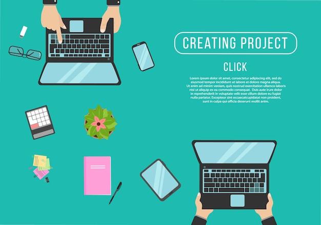 Mãos digitando texto no teclado do computador. organização realista do local de trabalho.