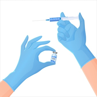 Mãos em luvas de proteção azuis segurando um frasco com medicamento e seringa