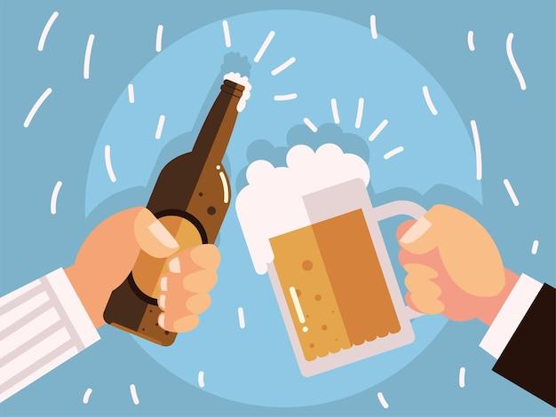 Mãos masculinas com copo de cerveja e brindes de garrafa