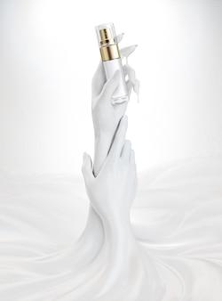 Mãos segurando um pacote de frasco de spray cosmético isolado no fundo na ilustração 3d