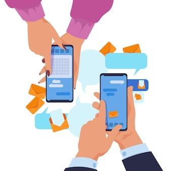 Mãos segurando um smartphone. conceito de mensagens de texto e compartilhamento de conteúdo de desenhos animados. aplicativo de comunicação de ilustração vetorial com as mãos de duas pessoas