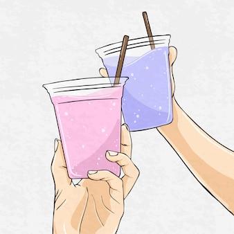 Mãos segurando uma bebida fresca