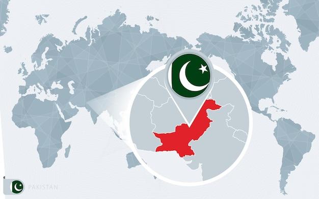 Mapa mundial centrado no pacífico com o paquistão ampliado. bandeira e mapa do paquistão.