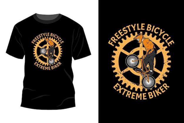 Maquete da camiseta do motociclista extremo da bicicleta estilo livre com design retro vintage