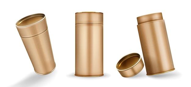 Maquete de caixas de tubo kraft, cilindros de papelão abertos e fechados de cor marrom, recipientes em branco para a marca feitos de papel artesanal isolado no fundo branco, ilustração em vetor 3d realista, mock up