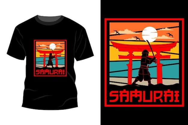Maquete de t-shirt de samurai com design vintage retro