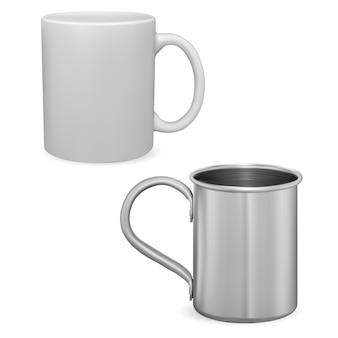 Maquete de xícara de café branca caneca de metal prateada isolada